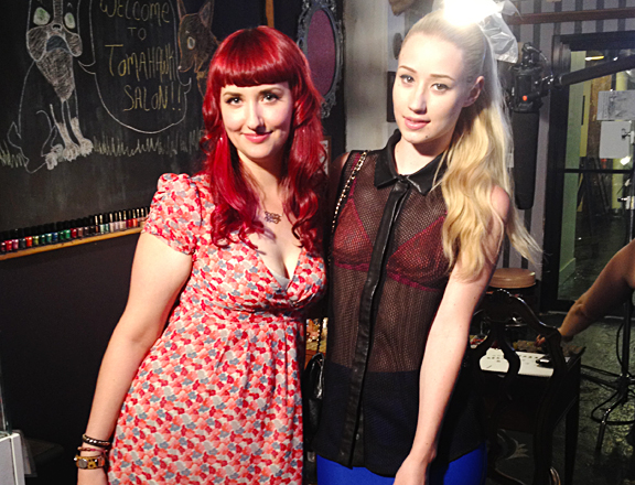 Iggy Azalea visits Tomahawk to get nail art by Fleury Rose