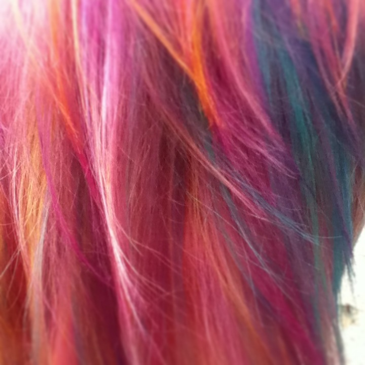 Close- up on full head of hi-lites creative color